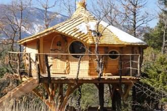 Cabane sur pilotis à l'Oasis Bellecombe dans la Drôme
