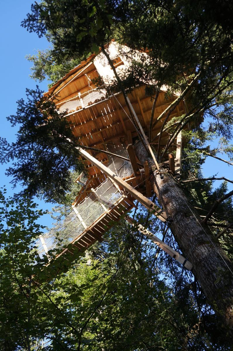 Abane constructions abane cabanes dans les arbres abane - Cabane dans les arbres selection originale ...